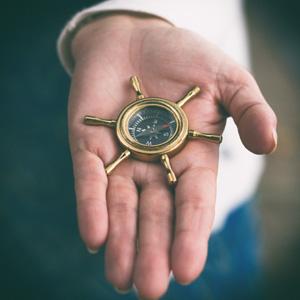 300x300-kompas-in-hand